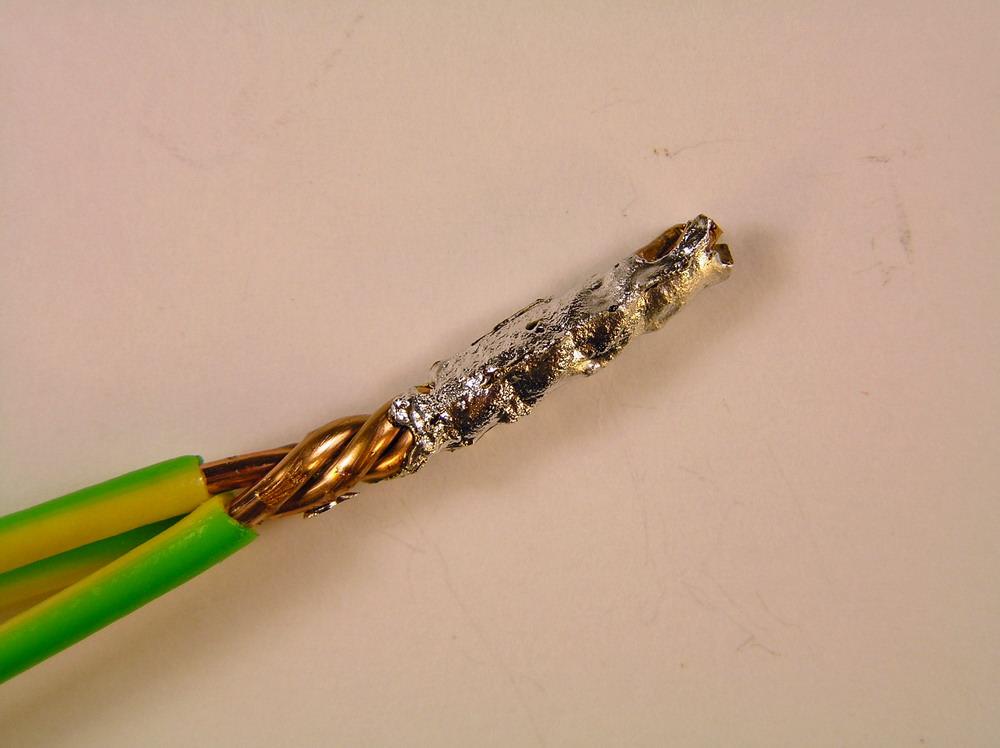 запаянные провода