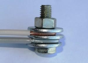 соединение алюминиевого и медного провода болтом