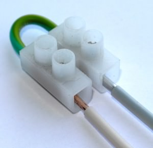 соединение проводов в клеммной колодке