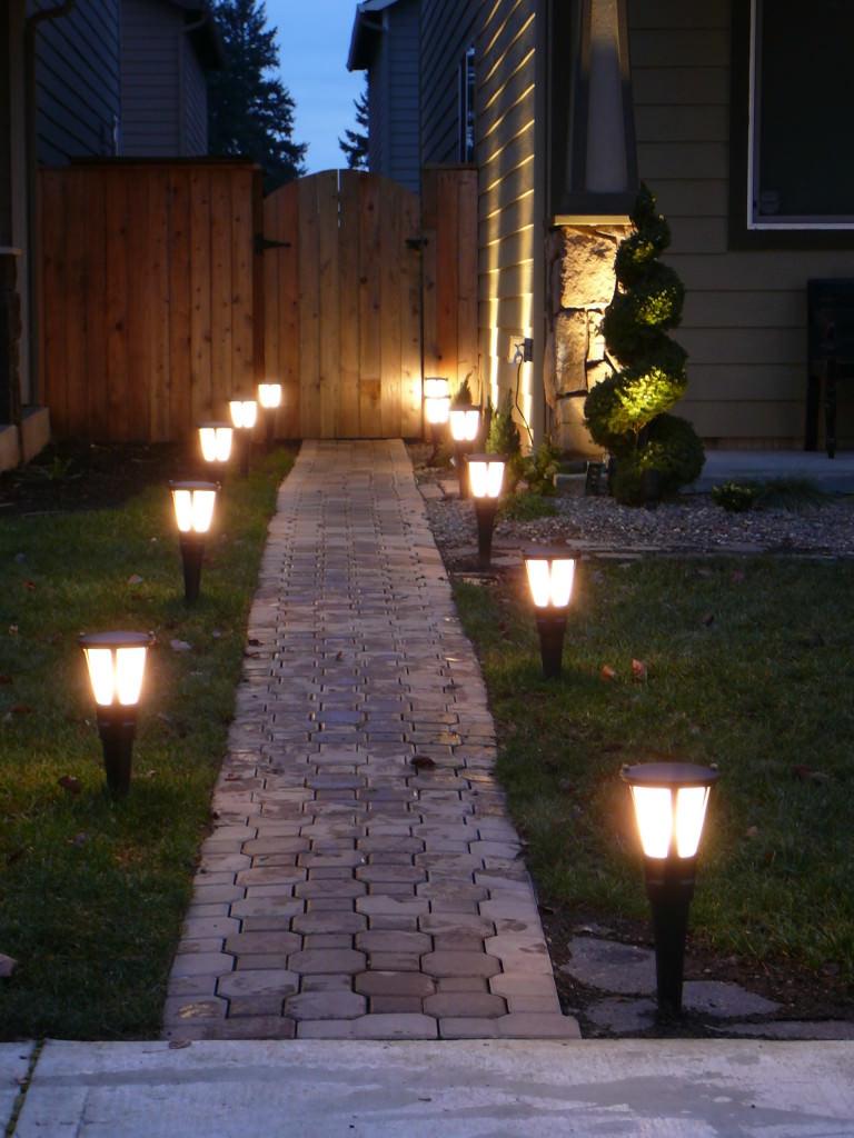 Светодиодные светильники на солнечных батареях для дачи