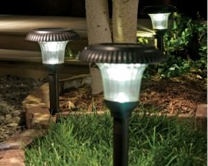 Фонари на солнечных батареях для дачи