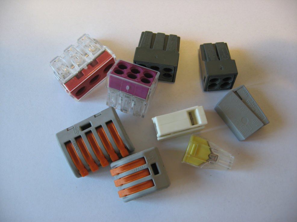 Герметичные клеммы для соединения проводов. Соединение проводов с помощью клеммника: какие клеммы лучше использовать